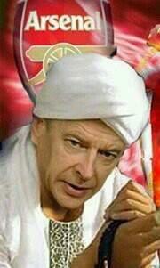 ketika Opa Wenger bertasbih