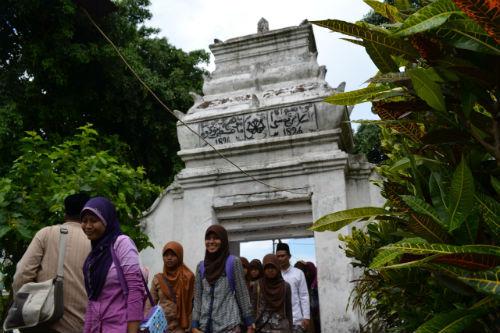 Makam Sunan Bejagung Yang Keramat di Tuban http://www.youtube.com/watch?v=Ay14s9cgIhQ