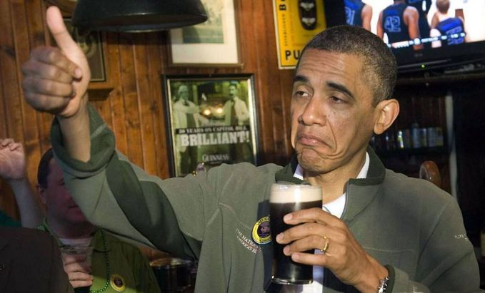 Presiden AS Barrack Obama pernah pingsan dalam sebuah kontes minum bir! Klik SUKA / LIKE Hangout Society. Disini : https://www.facebook.com/hangoutsociety ATAU http://m.facebook.com/hangoutsociety