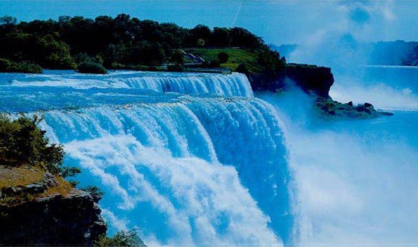 Dalam satu menit, Air Terjun Niagara akan mengalirkan air sebanyak 31.600 ton! Klik SUKA / LIKE Hangout Society. Disini : https://www.facebook.com/hangoutsociety ATAU http://m.facebook.com/hangoutsociety