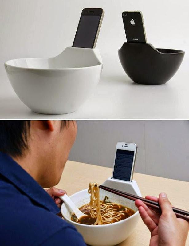 MANGKUK UNIK. Tidak Perlu Repot-Repot Lagi Pegang Handphone sambil Makan