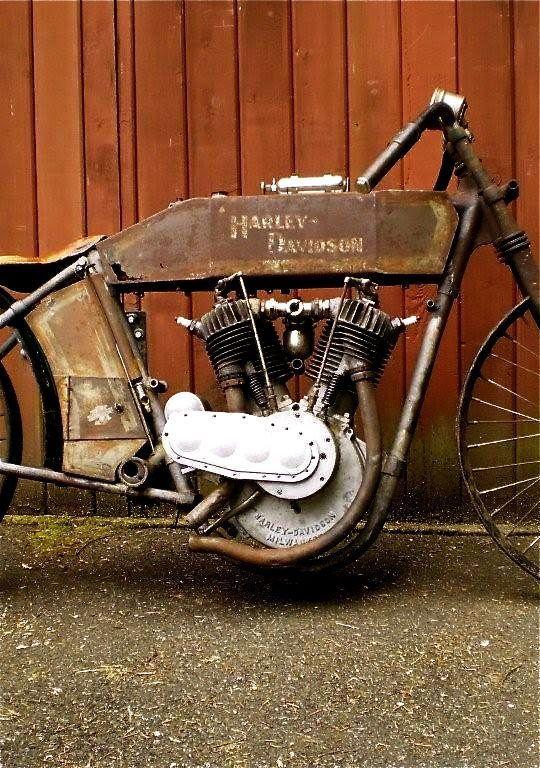 Sobat Pulsk, inilah model awal dari Harley Davidson, keren ya.