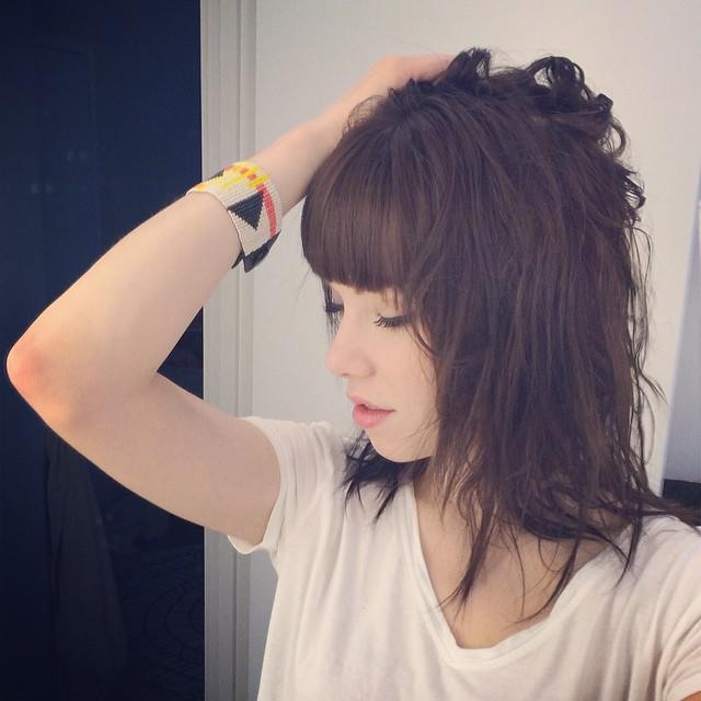 New Carly Rae Jepsens Hair. I think her hair looks like Lzzy Hale (Halestorm)