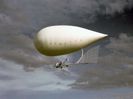 Sobat Pulsk, keren ya pesawat balon udara ini.