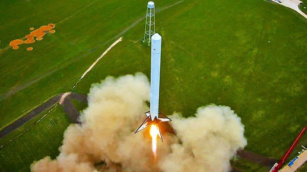Drone Shoots Epic Footage of SpaceX Rocket Launch and Controlled Landing