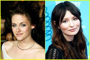 """pada awal mula digarapnya film serial """"The Twilight Saga"""", Stephenie Mayer sesungguhnya menginginkan Karakter Bella Swan di perankan oleh Emely Browning. Namun pada saat di hubungi, Emily malah menolak ajakannya itu. sungguh disayangkan ..."""