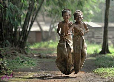 Jadi inget Agustusan. No iPhone, no toys, no television , no internet connection and watch their face. Ya iya kelles, secara lagi maen.. :p
