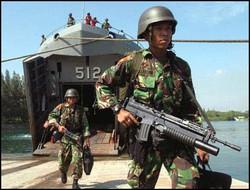 TNI masih jauh, kapal maritim Malaysia langsung kabur.