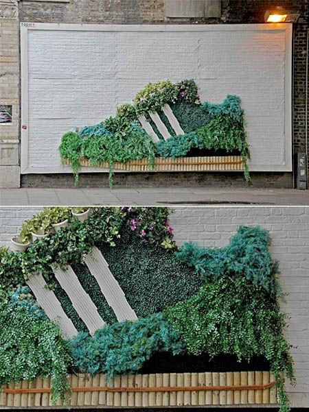 Sobat Pulsk, model sepatu merek Adidas ini ternyata terbuat dari susunan tanaman, keren ya.