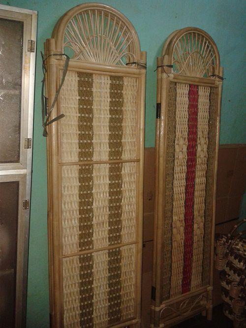 Sketsel Rotan khas kerajinan rajapolah terbuat dari kombinasi bambu,pandan rara,dan bahan utama rotan Info lebih lanjut Anda bisa hubungi ke : No hp : 085222308405 PIN BB : 76AA8749