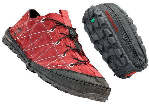 Sobat Pulsk, keren ya model sepatu yang bisa dilipat mirip dompet ini.