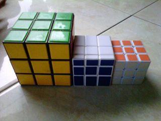 Rubik :D Ga ada kerjaan, main itu aja lah :D