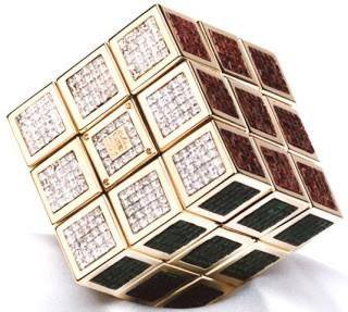 Rubik yag terbuat dari emas