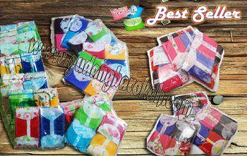 UNIK LUCU UNYU2 1 pack isi : 25 biji, 1 pack : mix warna (gak cuma satu warna aja) Harga : Rp 17.000,- Untuk reseller minimal pembelian 10 pack kelebihannya amplop unyu terbuat dari KAIN bukan dari kertas