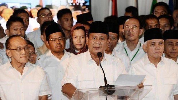 """Tim Prabowo Subianto telah keluar berayun dalam pemilihan presiden yang dipersengketakan di Indonesia, bersikeras itu maju dalam """"hitungan nyata"""" suara, lawan yang berusaha untuk """"membajak"""" demokrasi, dan bahwa hal itu tidak akan pernah mengaku"""