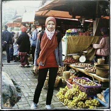 Jalan-jalan Ke Dieng Wonosobo, gak lupa mampir pasarnya..yeahh :)