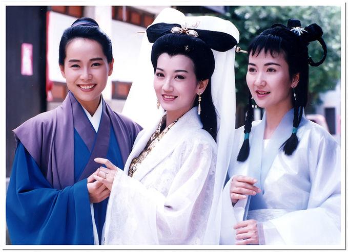 Ada yang masih ingat film ini...??? Karakter-karakter utama di film ini: - Xu Han Wen - Bai Su Zhen - Xiao Qing