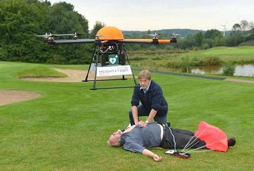 ---Hal-hal Yang Kini Bisa Di Lakukan Oleh Drone--- Jika sebelumnya Drone ini terkenal karena hanya khusus dipergunakan dalam dunia militer saja, maka sekarang telah diciptakan berbagai Drone oleh perusahaan, mahasiswa, dan ilmuan untuk keperluan masing-masing. Demo dan Gambar http://goo.gl/RNx