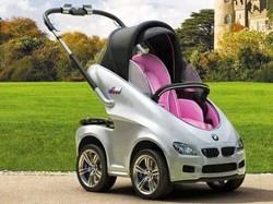 Kereta bayi bmw ini cocok banget buat bayi nya pecinta otomotif