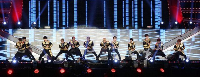 EXO-K&EXO;-M jangan lupa yaa wow nya para EXO-L