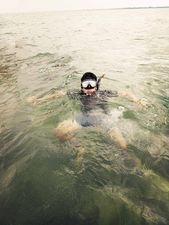 "aku di Tempat Pantai Angsana Kalimantan Selatan "" WIsata Pantai Angsana yang terkenal dengan keindahan terumbu karangnya berada di Wilayah Kecamatan Angsana Kabupaten Tanah Bumbu kalimantan Selatan"