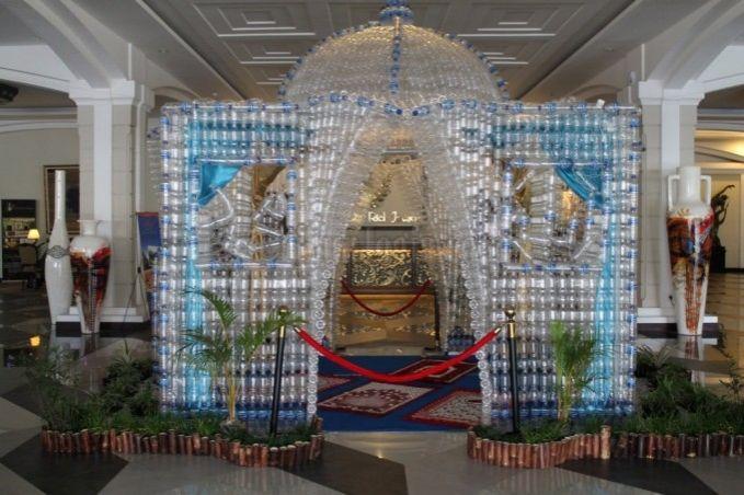 Uniknya Replika Masjid dari Ribuan Botol Bekas di Sahid Rich Jogja Hotel ^^