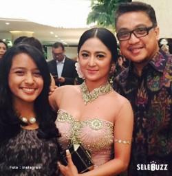 Resepsi Nagita Slavina Dan Raffi Ahmad Dewi Perssik Tampil Cantik