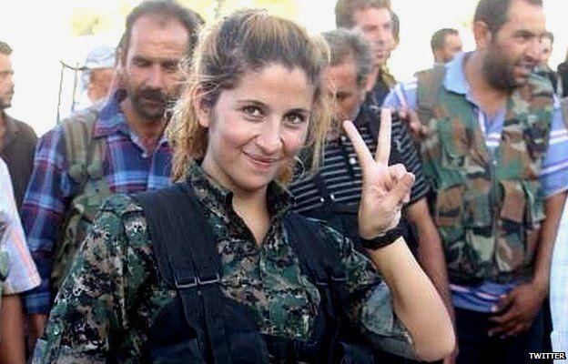 """RIBUAN orang di seluruh dunia di berbagai media sosial telah berbagi gambar dari """"Angel of Kobane"""" atau yang sering disebut juga sebagai """"Rehana"""", seorang pejuang Kurdi yang telah menjadi simbol perlawanan terhadap kelompok Islamic State."""