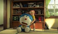Film Doraemon : Standy By Me akan diputar di bioskop-bioskop Blitz Megaplex mulai tanggal 10 Desember 2014. Dalam film itu, ada nasihat Doraemon yang sangat berharga untuk Nobita. Apa, ya, nasihat Doraemon untuk Nobita? Kamu, kan, tahu Doraemon punya kantong ajaib yang dapat mengeluarkan berbagai macam gadget yang super ajaib. Gadget-gadget itu biasanya dikeluarkan Doraemon untuk membantu Nobita. Karena sering dibantu Doraemon dan gadget-gadgetnya, Nobita jadi tidak mandiri. Ia sangat bergantung Doraemon dan gaget-gadgetnya. Sebentar-sebentar ia berteriak Doraemoooonâ?¦!! dan tak lama Doraemon datang menolongnya dengan gadget ajaibnya. nasihat doraemon 2 Nobita bergantung pada Doraemon dan gadget-gadgetnya. Untunglah, Doraemon menasihatinya agar tidak hanya bergantung pada gadget. Namun, suatu waktu, gadget Doraemon ternyata tidak bisa menolong Nobita. Nobita sedih sekali. Saat itulah Doraemon menasihatinya. Nobita, kamu jangan hanya mengandalkan gadget. Kamu pun harus berusaha melakukannya sendiri. Begitu kira-kira nasihat Doraemon pada Nobita. Nasihat itu berharga sekali! Nobita memang harus belajar berusaha sendiri menghadapi berbagai masalah. Ia tidak boleh terus menerus bergantung pada Doraemon dan gadget-gadgetnya. Hmm, nasihat Doraemon sepertinya cocok juga, nih, buat kita-kita. Berkat nasihat Doraemon , Nobita jadi lebih berani menghadapi berbagai masalah. Apalagi, ketika tiba saatnya Doraemon harus pergi. Pergi?! Ya, Doraemon harus kembali ke abad ke-22. Jadi, Doraemon dan Nobita berpisah selamanya? Huaaaaâ?¦ Apa benar begitu?! Lihat saja sendiri bagaimana kisah persahabatan Doraemon dan Nobita di film Doraemon : Stand By Me . Jangan lupa, bawa tisu kalau-kalau menangis! Huaaaaâ?¦.!!!