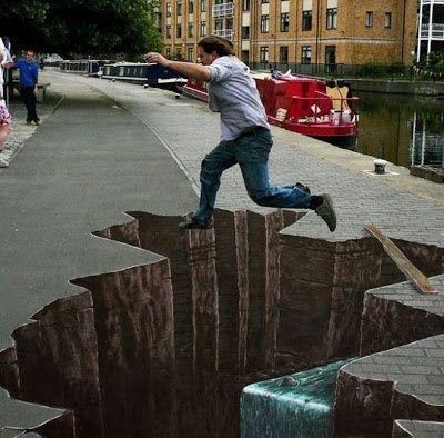 10 Lukisan 3D Paling Populer Di Dunia > http://goo.gl/PnusTB memang sangat menyenangkan. Karya kreatif ini seolah memacu kita untuk berimajinasi lebih dalam. Lebih menarik lagi bila lukisan 3D ini ditorehkan di jalan raya atau dinding. Dikut