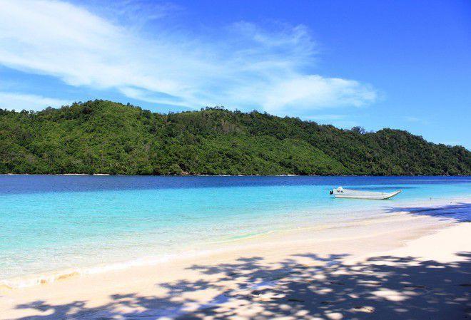 Pulau Indah Ini, Akan Dijual 3,5 Milyar. Baca beritanya: http://www.kemal-site.com/2015/01/pulau-indah-di-lampung-indonesia-akan-dijual.html