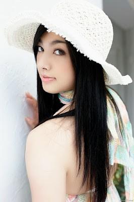 Saori Hara merupakan artis porno Jepang tercantik ke-2 versi Mbah Google sekaligus merupakan artis Jepang terpopuler saat ini, dan juga bermain di film layar lebar Sex an Zen 3D yang mengalahkan film box office avatar di hongkong