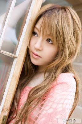 Ria sakurai merupakan artis porno Jepang tercantik ke-3 versi Mbah Google..artis ini memilki nama lain yaitu miu aisaki.