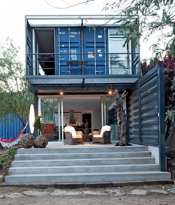 Rumah lain dari Container juga, kerenn. tapi gimana ya isi rumahnya? Next picture for details ;)
