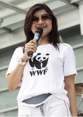 Tina Talisa (lahir di bandung, 24 desember 1979) adalah seorang pembaca berita di stasiun tvOne Indonesia. Sebelum menjadi pembaca berita dia pernah berprofesi sebagai dokter gigi lulusan Fakultas Kedokteran Gigi Universitas Padjajaran Bandung tahun 2001