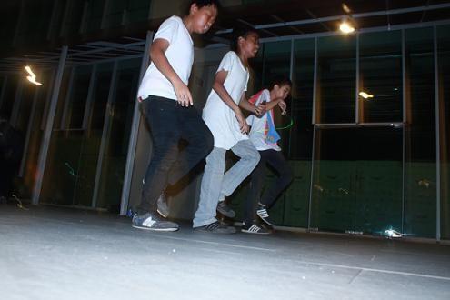 teach me how to shuffle dance