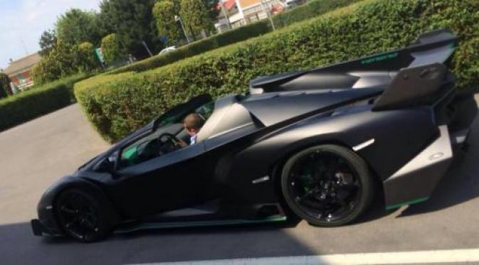 Nih Gan model Mobil Termahal dunia 2015. keren Bro.. wani piro