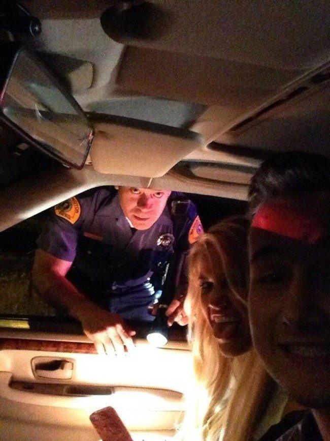 Selfie disaat ditilang polisi