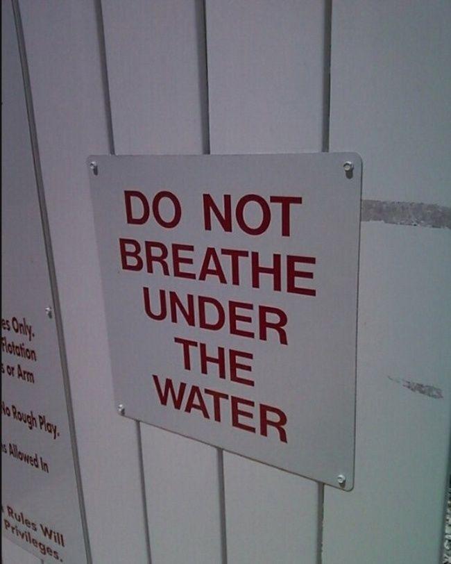Satu peraturan yang mungkin harus ada di setiap tempat renang.