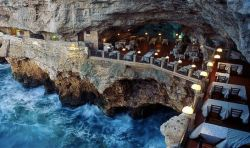 Datang Ke Restaurant Ini Bikin Kamu Ngiler Liat Pemandangannya yang WOW!