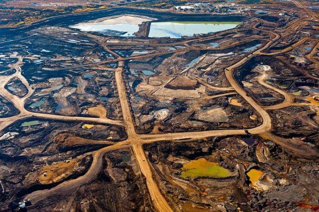 Pertambangn aspal di Alberta, Kanada dihancurkan oleh limbah beracun yang berasal dari pertambanagn aspal