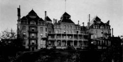 Horor! Rasakan Pengalaman Paranormal Mengerikan di 15 Hotel Ini - See more at: http://www.idntimes.com/travel/destinasi/305/Horor-Rasakan-Pengalaman-Paranormal-Mengerikan-di-15-Hotel-Ini#sthash.Ry9bTUI7.dpuf
