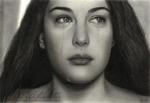 Liv Tyler jangan menangis dong,,, walaupun kamu sketsa gambar aku juga ikutan sedih nich...