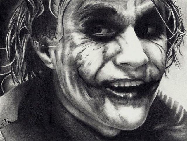 Joker juga masih manusia kok, tapi yang ini sketsa gambar ya...