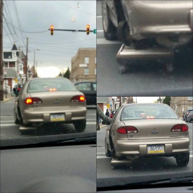 2. Siapa bilang mobil itu butuh 4 ban..hehehe