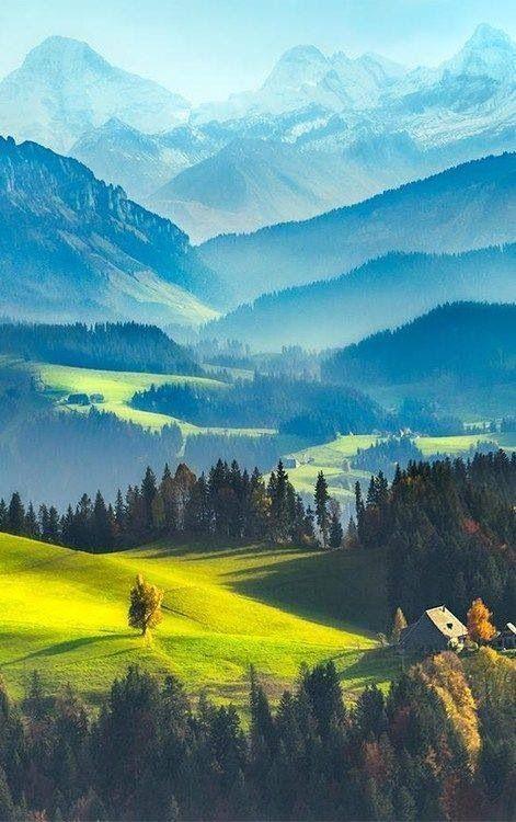 Padang rumput dan Pegunungan yang Indah banget, PULSKER ada yang tau gak ini dimana