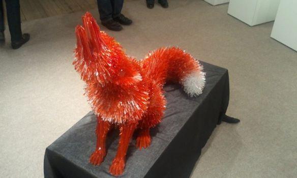 3 â?? Rubah Merah Rubah merah kecil kecil ini menunjukkan detil yang rumit dari pembuatan patung dari kaca.