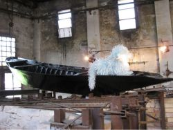 Seni Patung Terindah yang Terbuat dari Pecahan Kaca