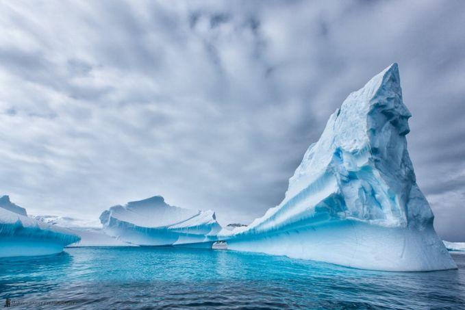 10. Mau tahu di mana mendapatkan air tawar yang sempurna? Antartika akan menjadi tempat yang sempurna untuk mencarinya, karena Antartika adalah tempat bagi 70% dari air tawar di dunia.WOW!!