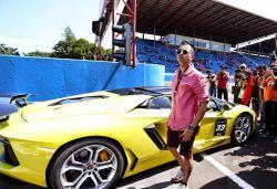 Deretan Artis Indonesia Dengan Mobil Mewahnya..WOW!!